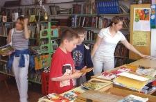 Wypożyczalnia Działu dla Dzieci i Młodzieży [Dokument ikonograficzny]