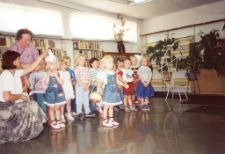 Przedstawienie grupy przedszkolnej [Dokument ikonograficzny]