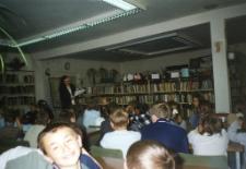 Uczniowie klas I-III ze Szkoły Podstawowej w Warzęgowie [Dokument ikonograficzny]